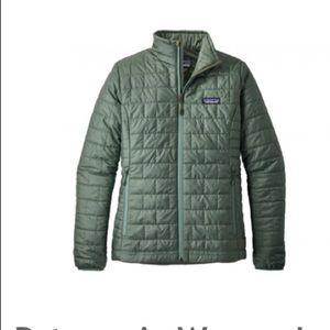 Women's nano puff XS Pesto green jacket